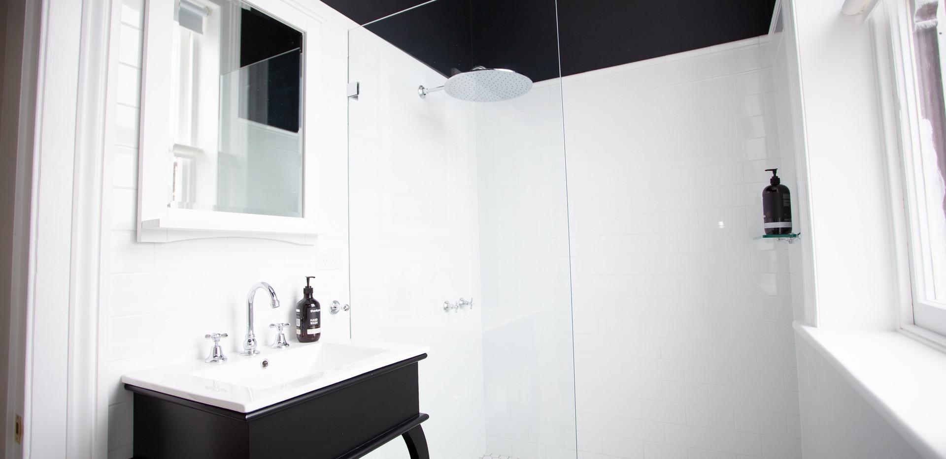 Norfolk Suite_Bathroom 01.jpg
