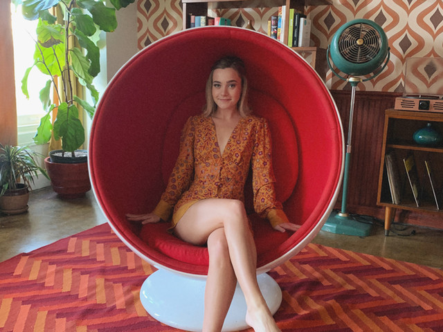 Lexi on set of Fantabulous Women of the 60's