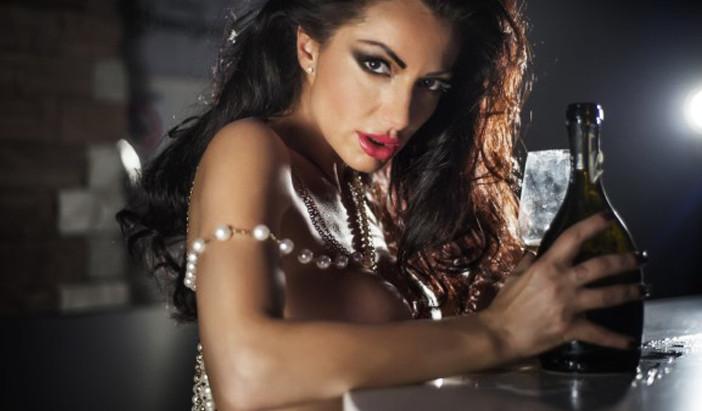 Priscilla Salerno, la sensualità si trasforma in Arte