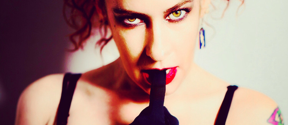 Victoria De Mare, the Queen of Horror