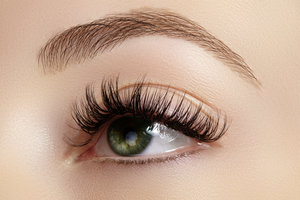Serena's Silk Eyelash Extensions & Microblade for Brows
