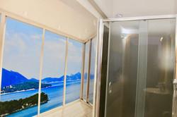 32_liquorice room bathroom3