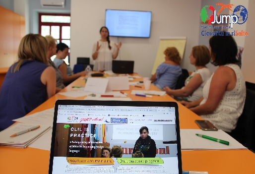 CLIL IS PRACTICE. A Training in creating interactive lessons using foreign languages