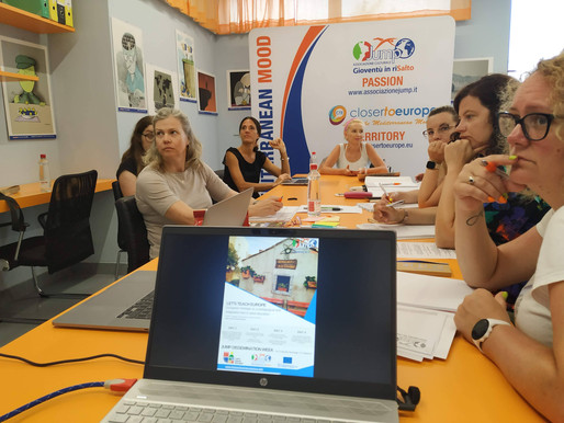 Let's teach Europe in Soverato with a big group of international teachers!