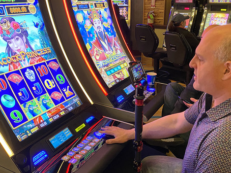 My slot play supports charities