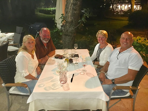 Dinner with George and Barbara.JPG