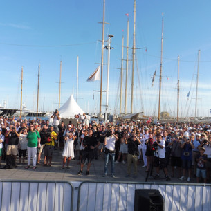 Prize giving crowd.JPG