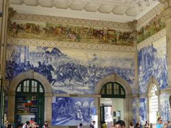Main train staition Porto.JPG