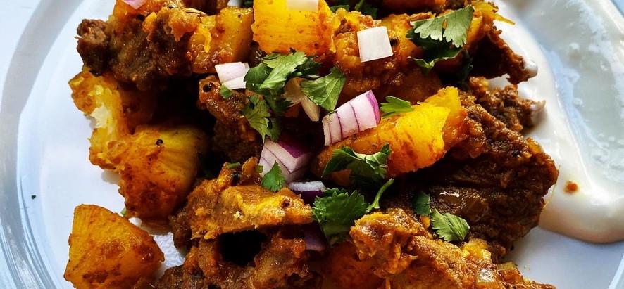 Irachi Kappa Biriyani / Kerala Tapioca and Beef Biryani