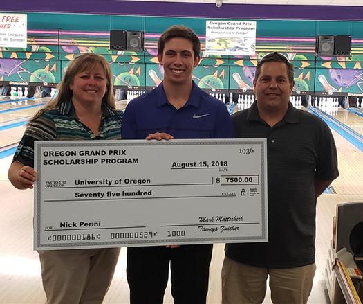 Nick Perini Scholarship Pic with parents