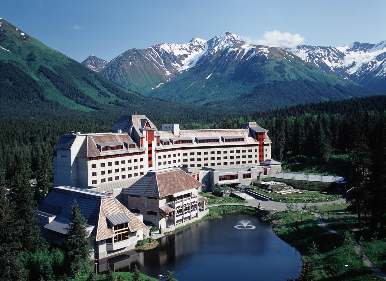 2016-alyeska-hotel-view-graham0_320a0b4d
