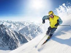 mountain-ski-winter-on-snowy_1600x1200_9