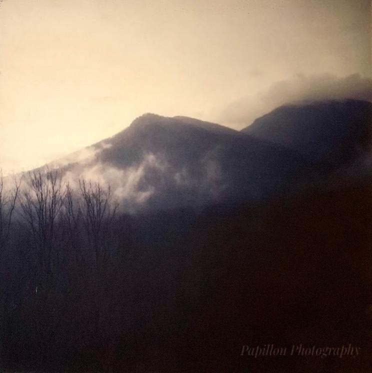 Shaconage, Land of Blue Smoke