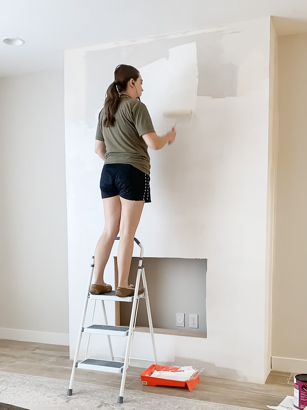 Painting an indoor fireplace with white paint