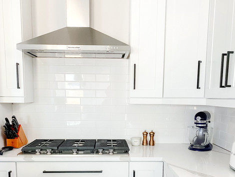 How to Install Kitchen Tile Backsplash Like A Pro in 6 Simple Steps