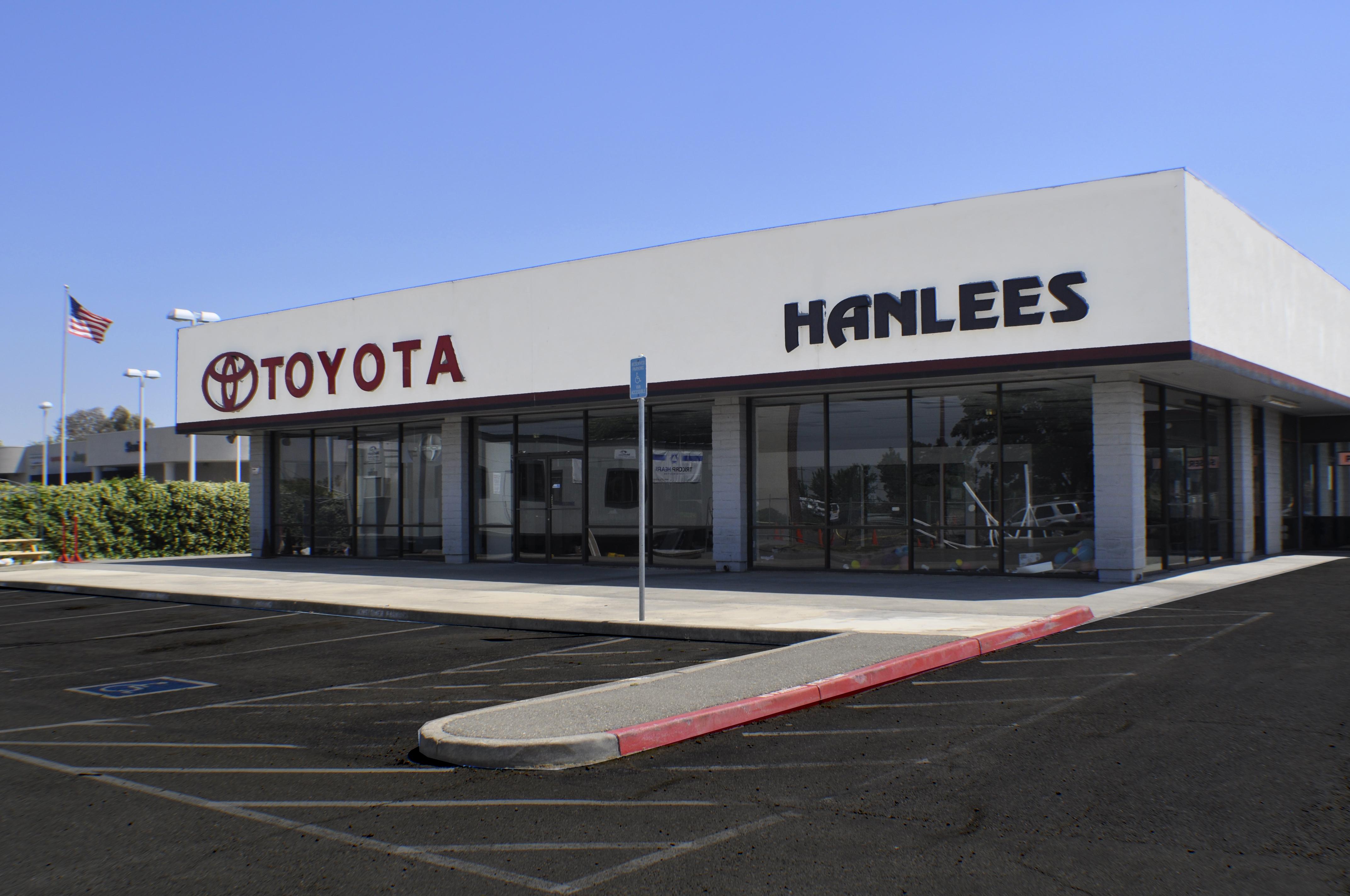 Exterior Hanlees Toyota