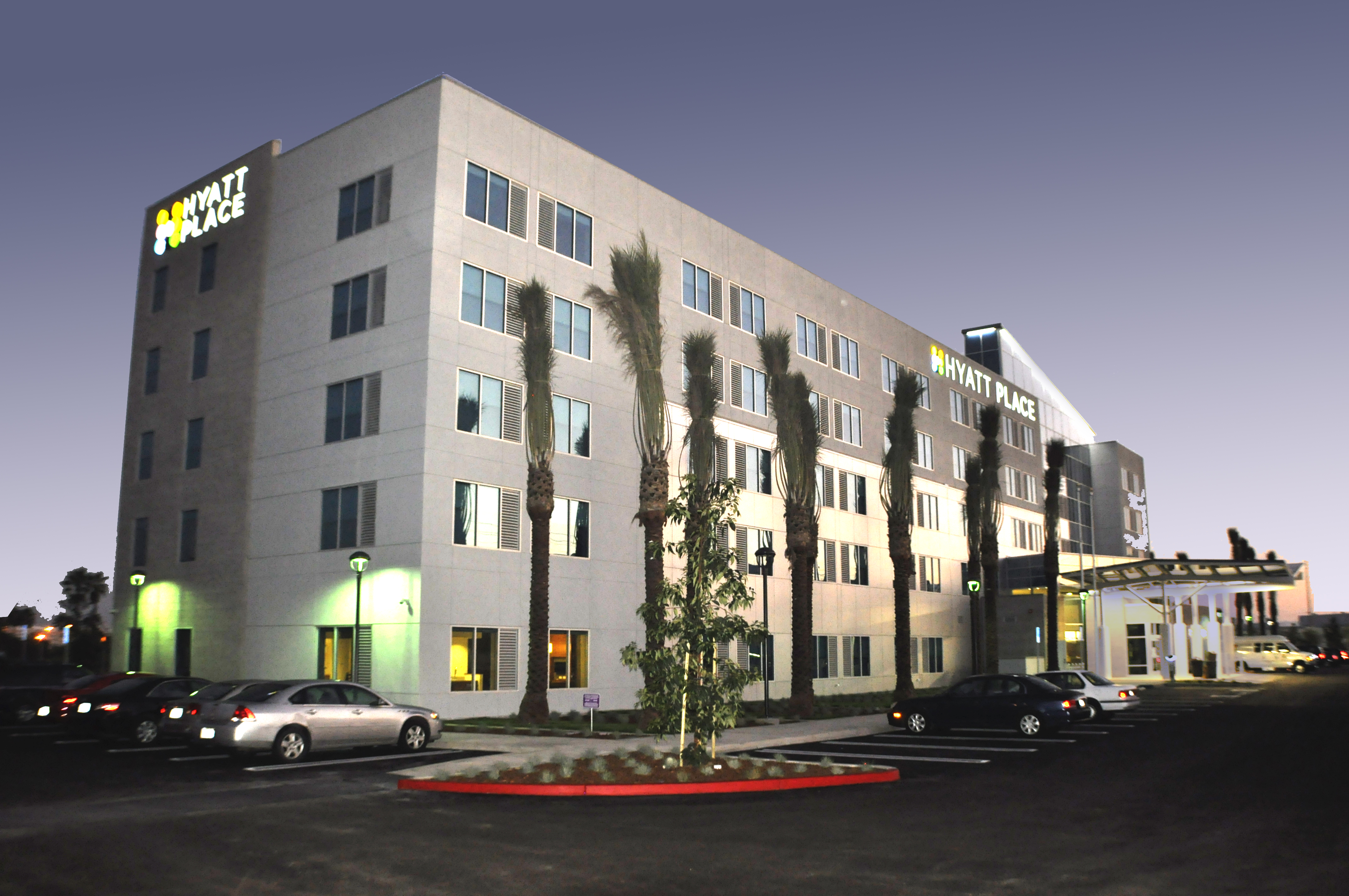 Hyatt Place El Segundo Corner Night