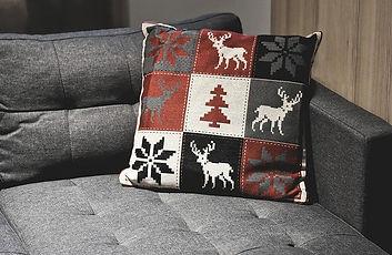 sofa-4633582_640.jpg