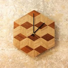 Horloge en chêne design