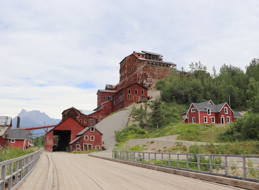 Adventures in Alaska: Exploring Kennecott & McCarthy in Wrangell-St. Elias National Park