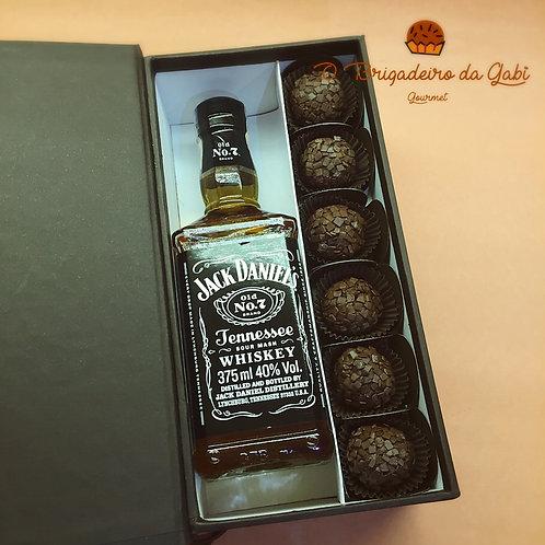 Caixa de Presente com 6 Brigadeiros e Whisky Jack Daniels