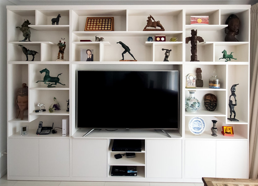 Custom display unit with entertainment s