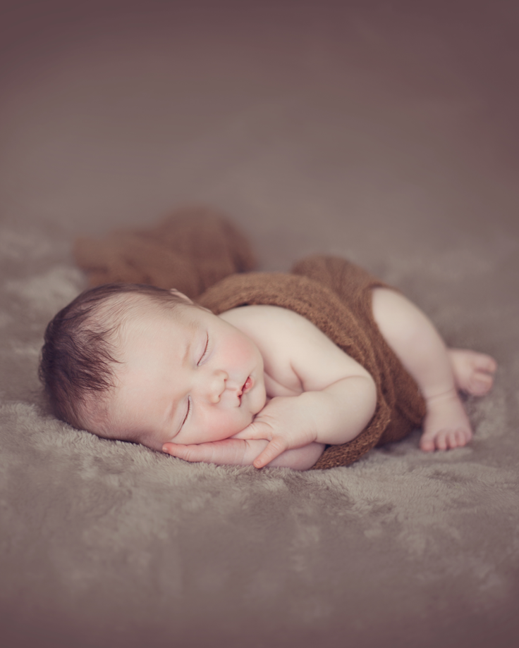 Newborn-baby--Julie-Willetts-Photography.png