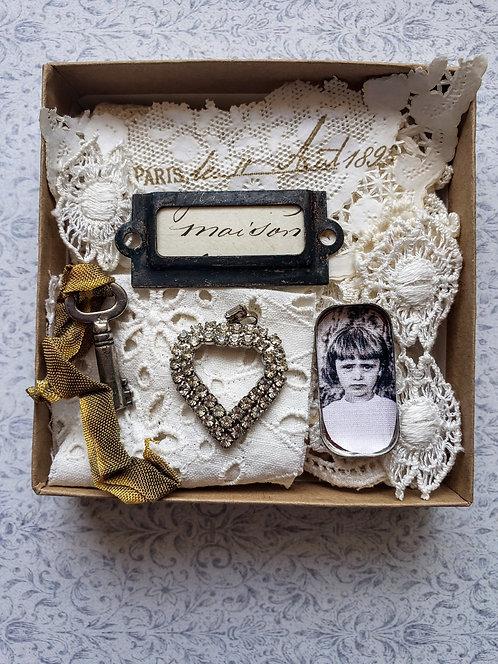 Vintage Supply Box #6060