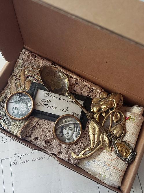 Vintage Supply Box #4444
