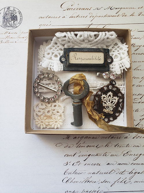 Vintage Supply Box #5555