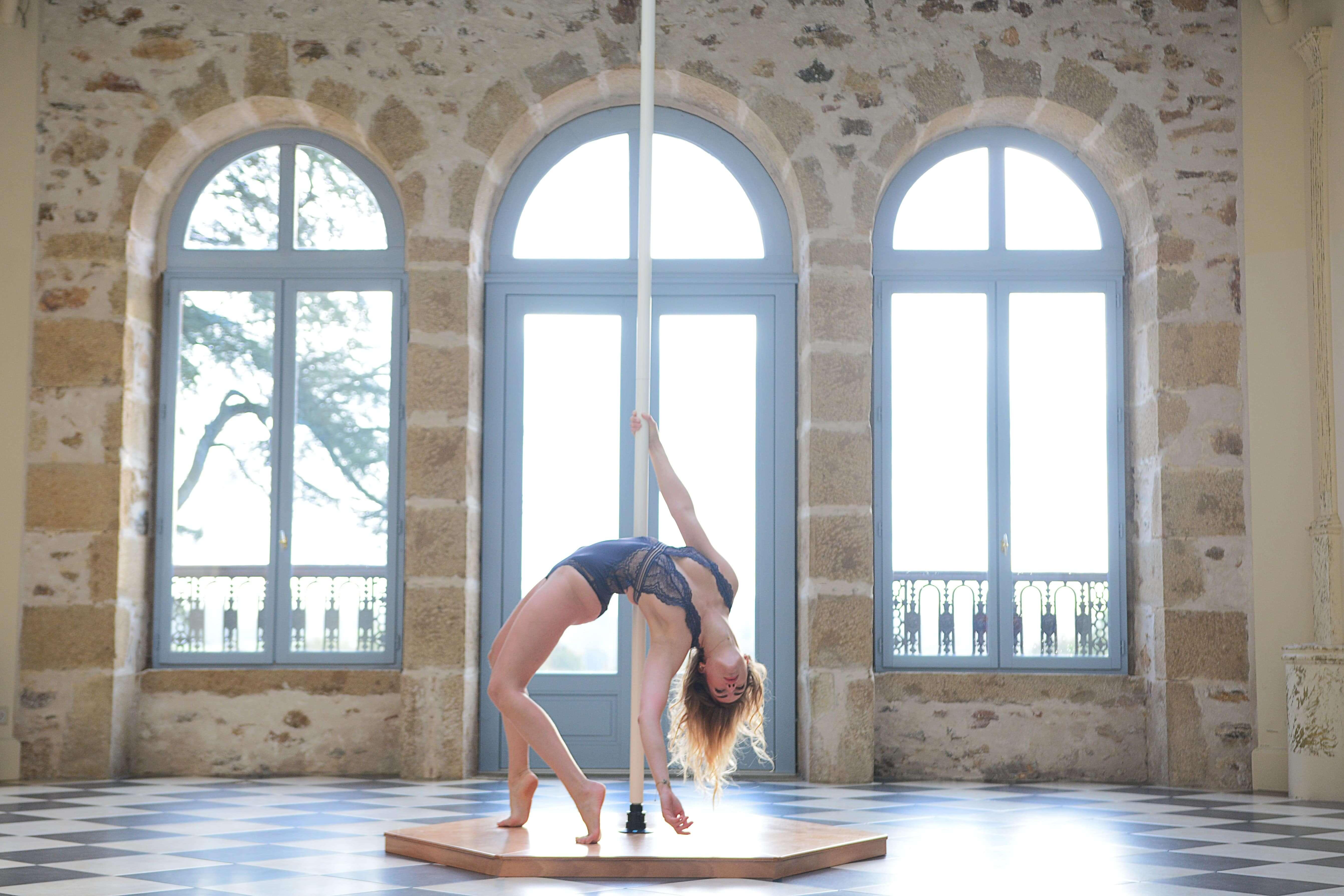 Sophie Pole dance Château de Plantadis