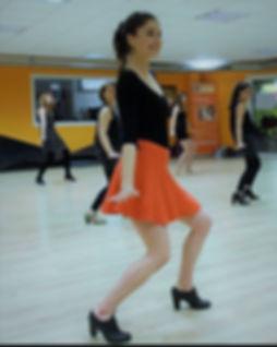 Danse Yoga avec Lola à L'Atelier aérien