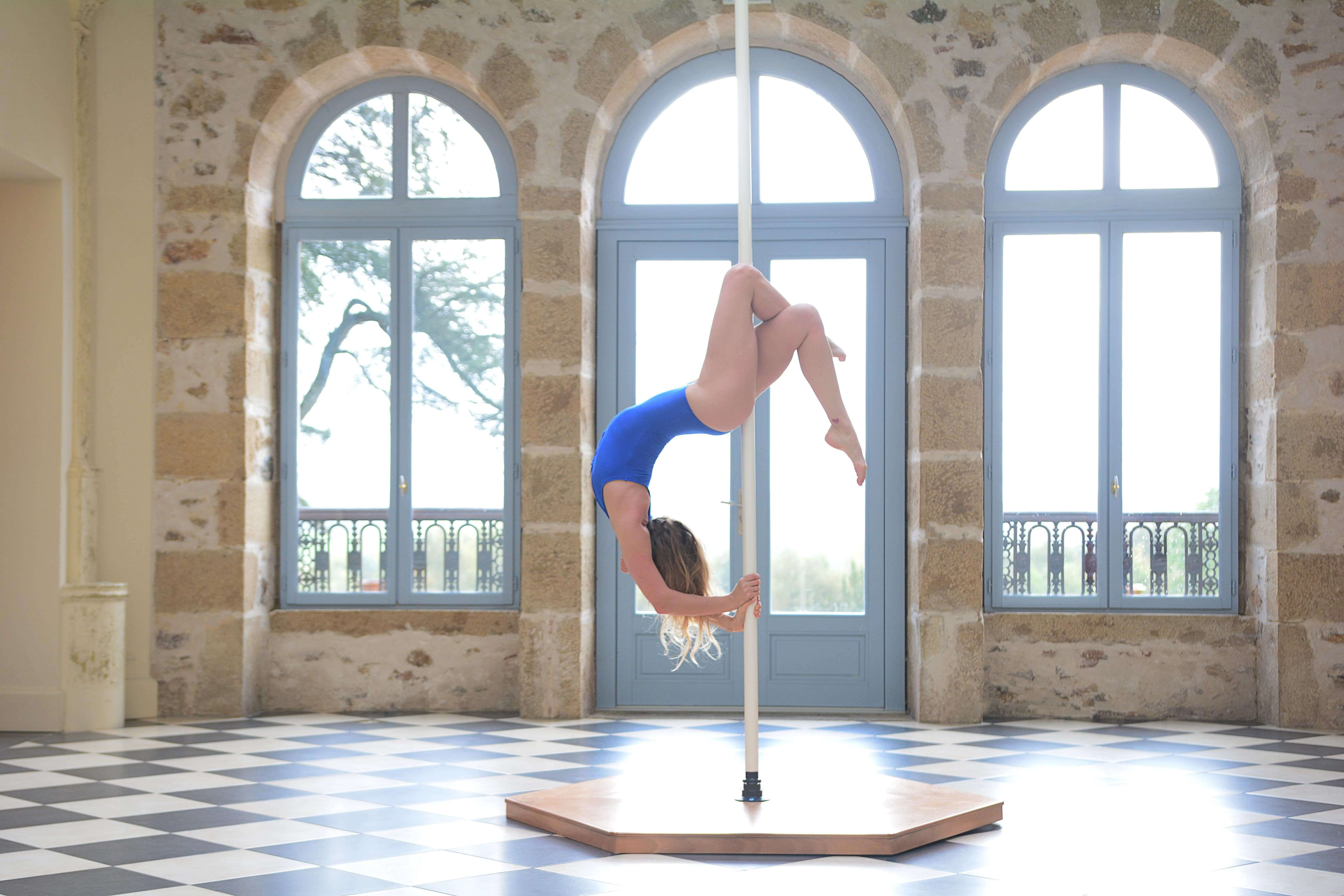 Sophie Pole Dance Château Plantadis