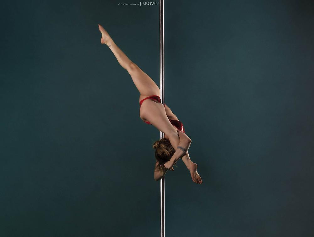 Pole-dance-mathilde-limoges