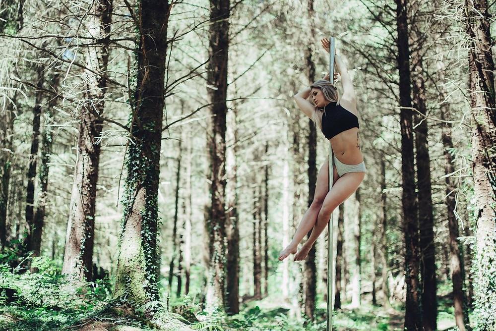 Pole dance Limoges - Limoges Pole dance - Vivien Malagnat