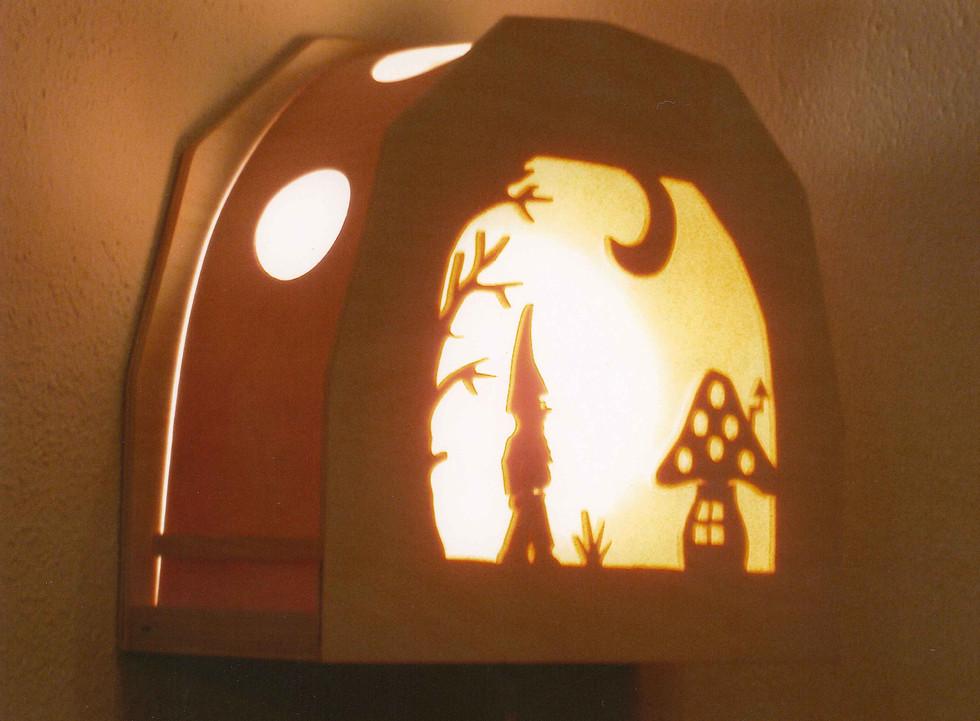 Kabouterlampje, zij-aanzicht