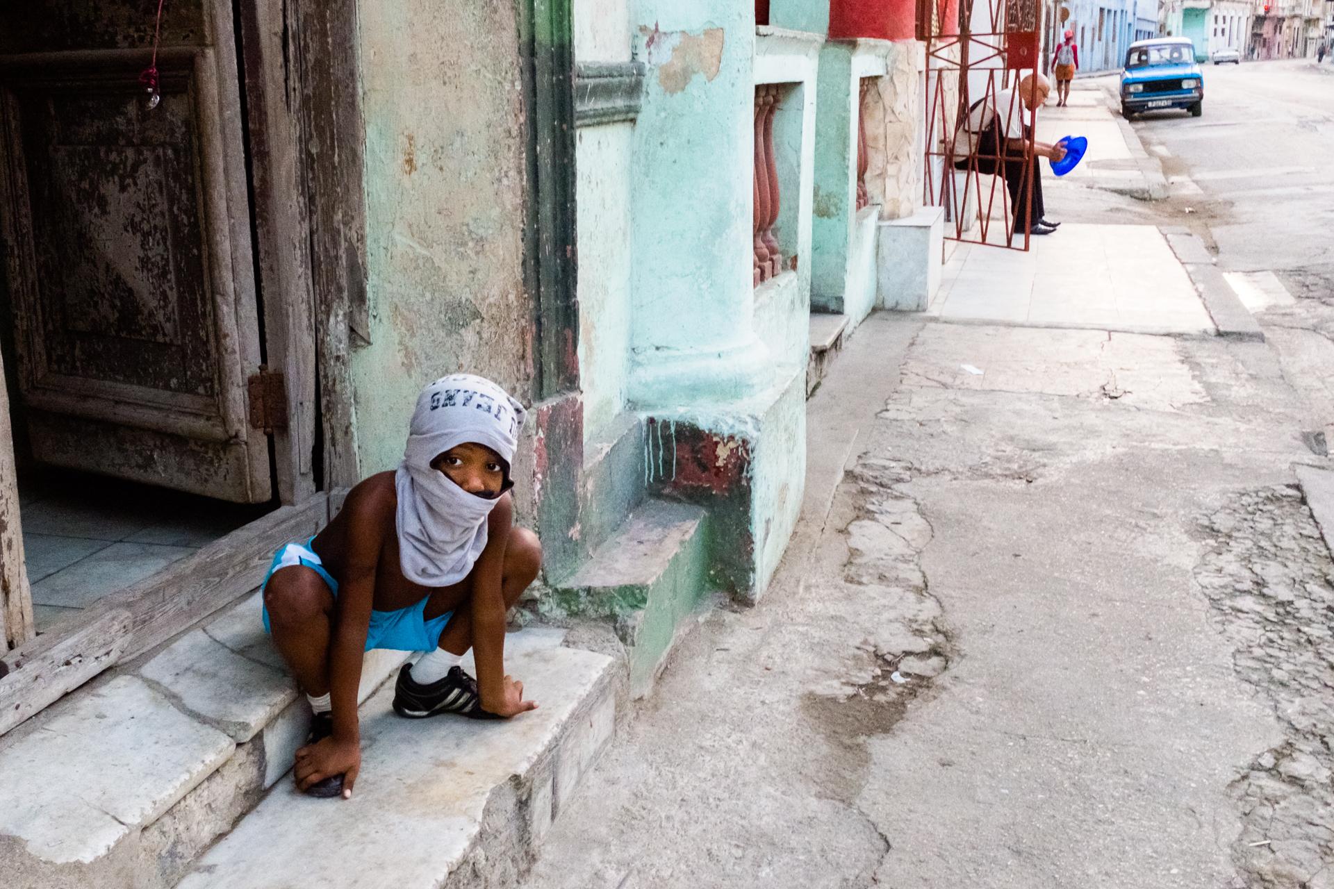 Hide and seek in Havana