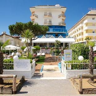 Hotel-universo-9-400x400.jpg