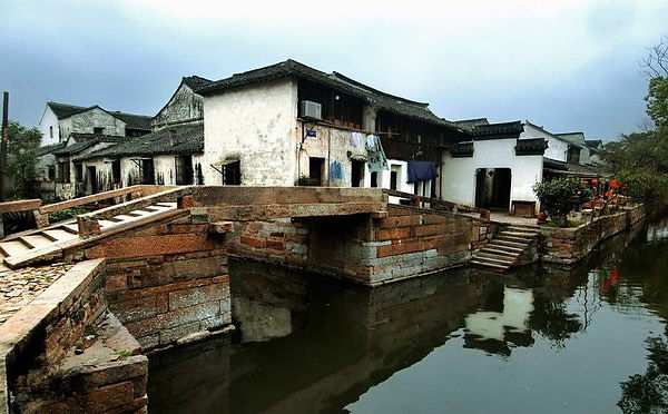 Historic Buildings in Tongli Ancient Town, Photo from The Official Site of Lake Tai.
