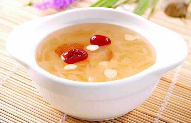 Almond White Fungus Soup, or Xingren Yin'er Tang