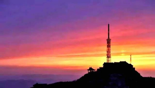 Sunset Glow on Mount Tai, Photo from Official Site of Mount Tai.