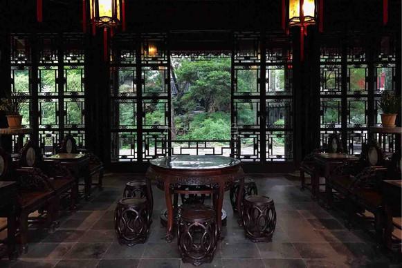 Hall of Drifting Fragrance or Yuanxiang Ting (远香亭)