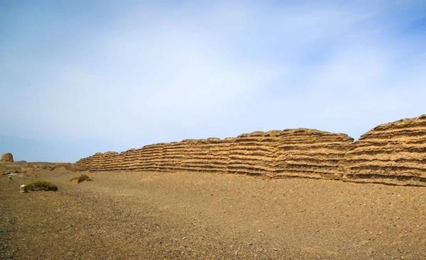 Ruins of Han Great Wall
