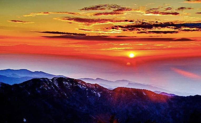 Sunrise on Mount Heng in Hunan