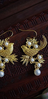 """Filigree Inlaying Magpies and Plum Flower """"Xishang Meishao""""  Earrings"""