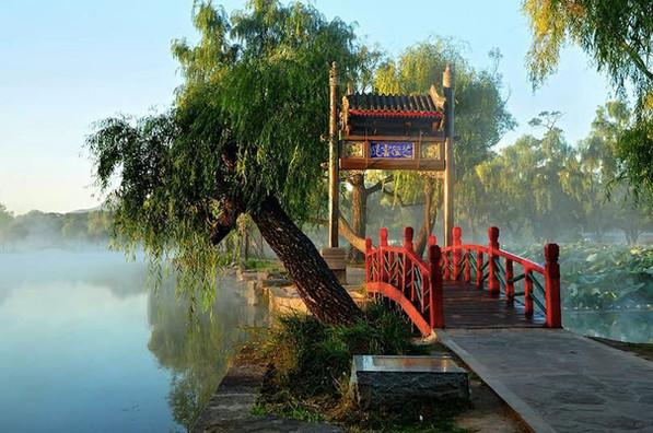 Zhijingyun Causeway of Chengde Mountain Resort
