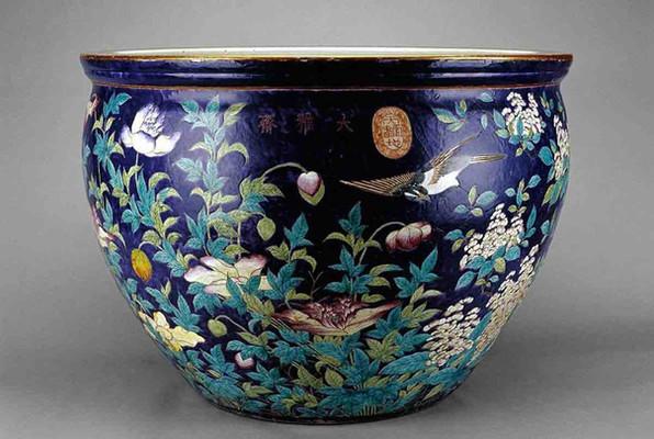 "Porcelain of ""Da Ya Zhai"" Serie of Empress Dowager Cixi."