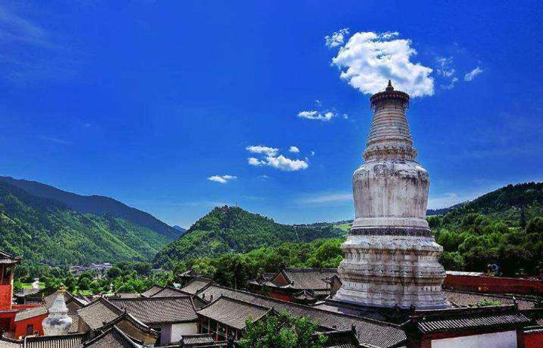 White Pagoda in the Tayuan Temple of Mount Wutai