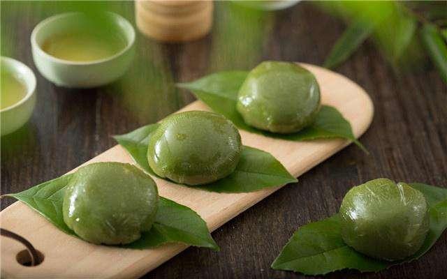 Qingtuan, or Sweet Green Rice Ball