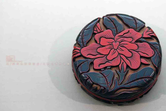 Camellia Japonica Lacquer Box of the Yuan Dynasty — Metropolitan Museum of Art